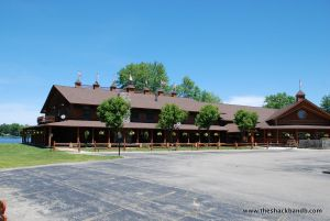 log-lodge-hotel-inn-bnb-michigan-2