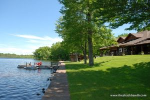 log-lodge-hotel-inn-bnb-michigan-26