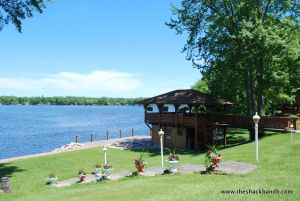 log-lodge-hotel-inn-bnb-michigan-30