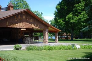 log-lodge-hotel-inn-bnb-michigan-55