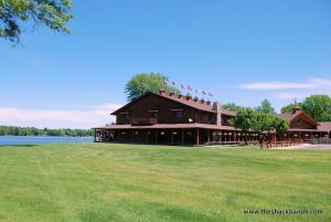 log-lodge-hotel-inn-bnb-michigan-6
