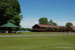 log-lodge-hotel-inn-bnb-michigan-68