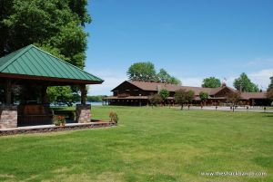 log-lodge-hotel-inn-bnb-michigan-69