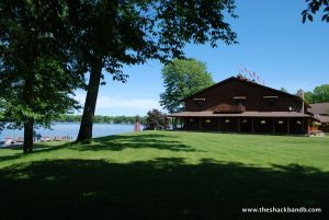 log-lodge-hotel-inn-bnb-michigan-74